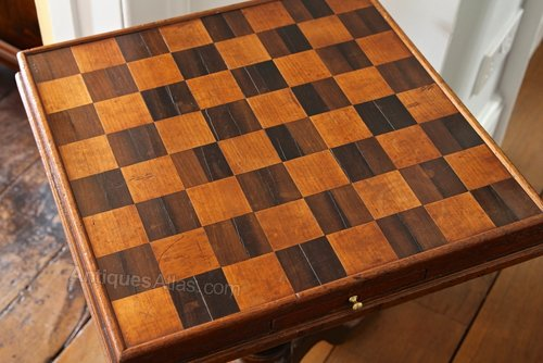 Antique Chess-Draughts Games Tripod Table.
