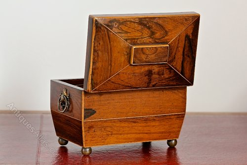 Early 19th Century Rosewood Tea Caddy. V12