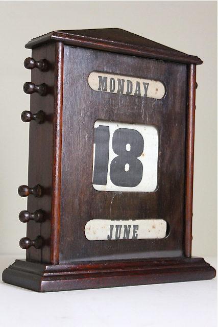 Perpetual Calendar Desk : Antiques atlas edwardian oak perpetual desk calendar