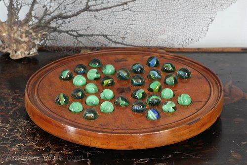 Victorian Solitaire Board Game. U507