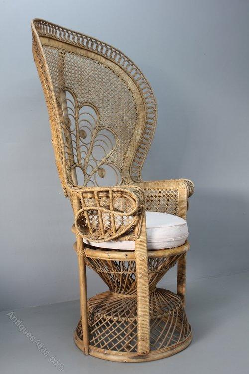 Vintage 1970s Peacock Rattan Chair. U640
