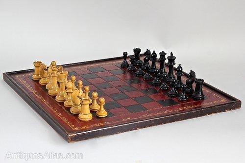 Vintage Boxed Staunton Chess Set. U911