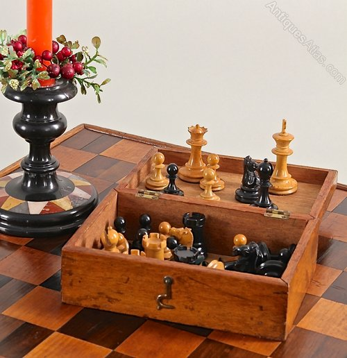 Vintage Staunton Boxed Chess Set.
