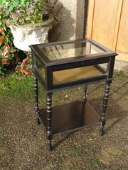 Aesthetic table top display cabinet
