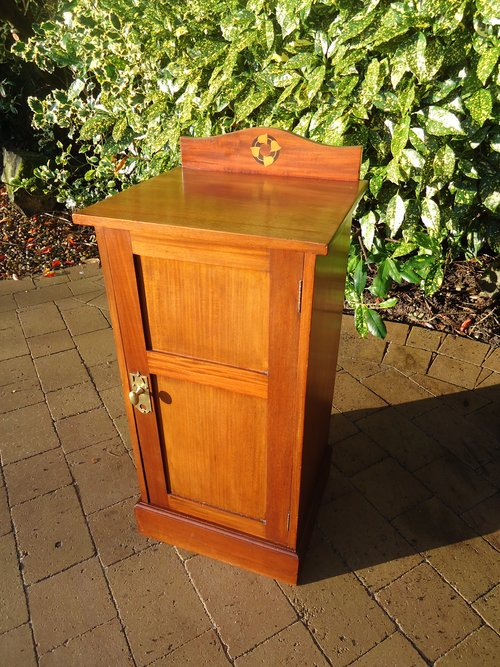 Arts& Crafts bedside cabinet with inlay