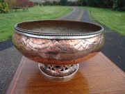 Arts & Crafts Hugh Wallis copper bowl
