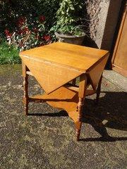 Arts & Crafts Oak Dropleaf table