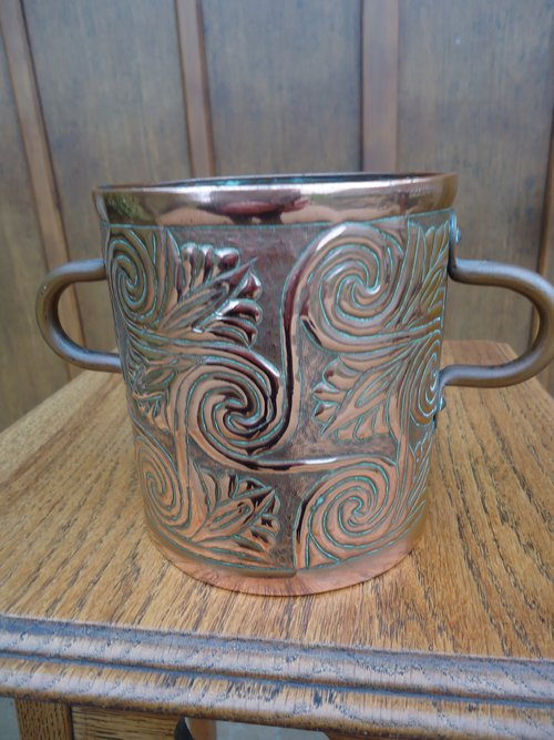 Arts & Crafts Yattendon two handled vase