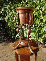 Rare Arts & Crafts copper ice bucket or planter