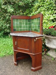 Arts & Crafts corner washstand. Maples