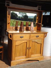 Arts & Crafts golden oak sideboard  dresser