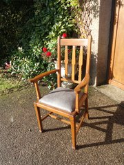 Arts & Crafts oak arm chair. Desk chair