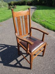 Arts & Crafts oak arm chair