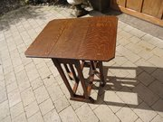 Arts & Crafts oak drop leaf table - Liberty