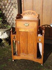 Arts & Crafts oak hall cupboard - Liberty