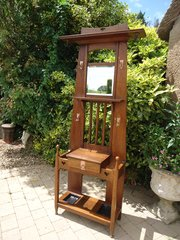 Stunning Arts & Crafts oak hall stand - Liberty