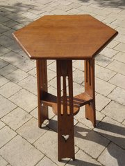 Arts & Crafts oak lamp table