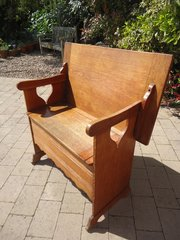 Arts & Crafts oak monks bench - Liberty