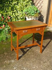 Arts & Crafts oak writing desk