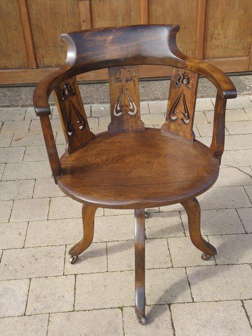 Arts & Crafts swivel desk chair