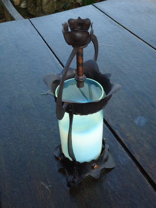 Arts & Crafts Vaseline and iron lamp