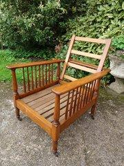Fabulous Arts & Crafts reclining oak armchair