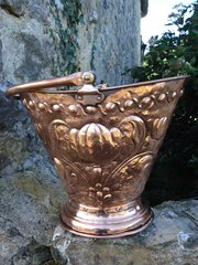 Lovely Arts & Crafts copper coal bucket
