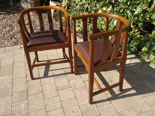 Pair of Arts & Crafts oak tub chairs