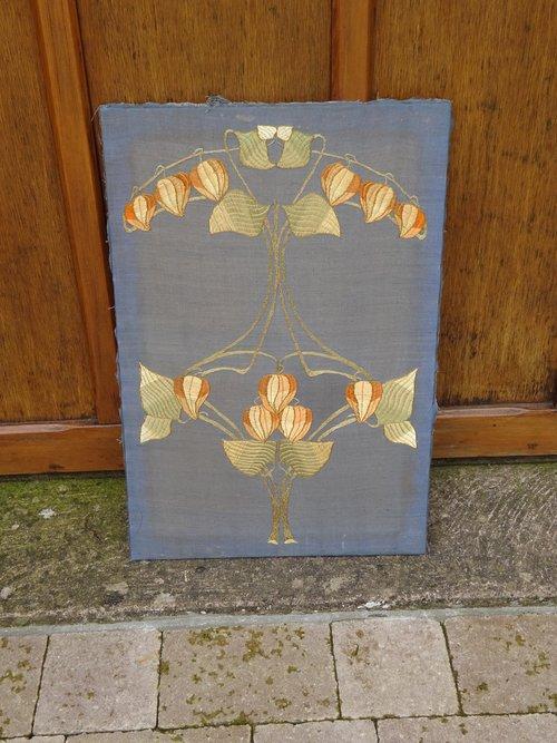 Pretty Arts & Crafts embroidery