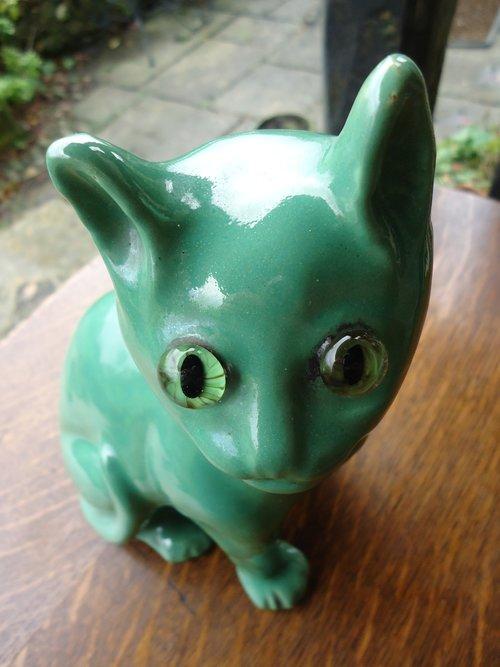 Starry eyed Mosanic pottery Cat