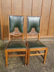 Stunning pair of Arts & Crafts oak Hall chairs
