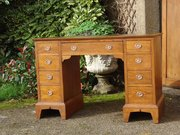Stunning Arts & Crafts Knee hole desk