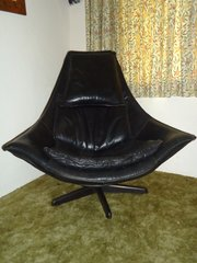 Stunning Mid Century Black Leather Chair
