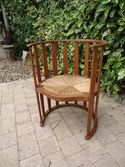 Stunning oak Arts & Crafts barrel chair