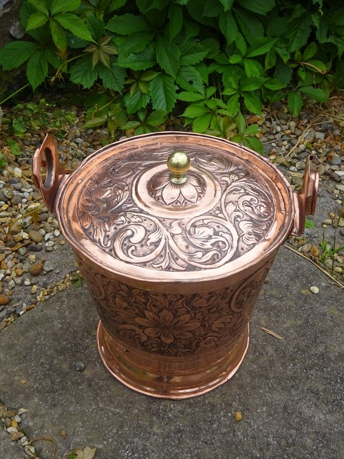 Stunning Arts & Crafts lidded bucket - Keswick