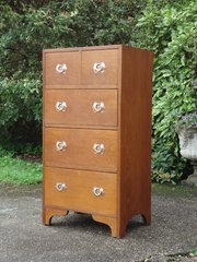 Superb quality Arts & Crafts Chest of Drawers