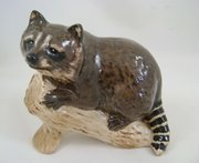 Beswick Raccoon on Log 2194