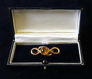 Victorian 9ct gold brooch with