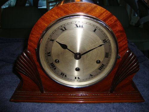 Art-deco westminster mantle clock.