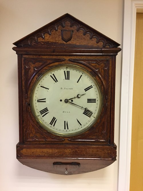 C1840  wall clock by Bethel Jacobs of Hull.