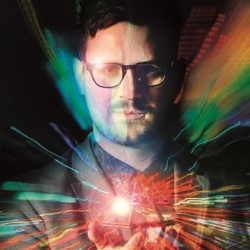 Review of Kevin Quantum: Illuminations, Fringe 2016