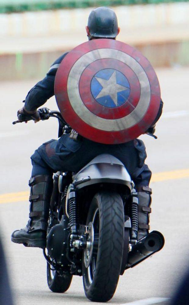 Captain America Gets New Costume For Winter Soldier