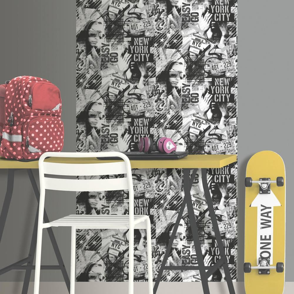 Muriva American Graffiti Pattern Wallpaper Childrens New York Fashion Motif Roll