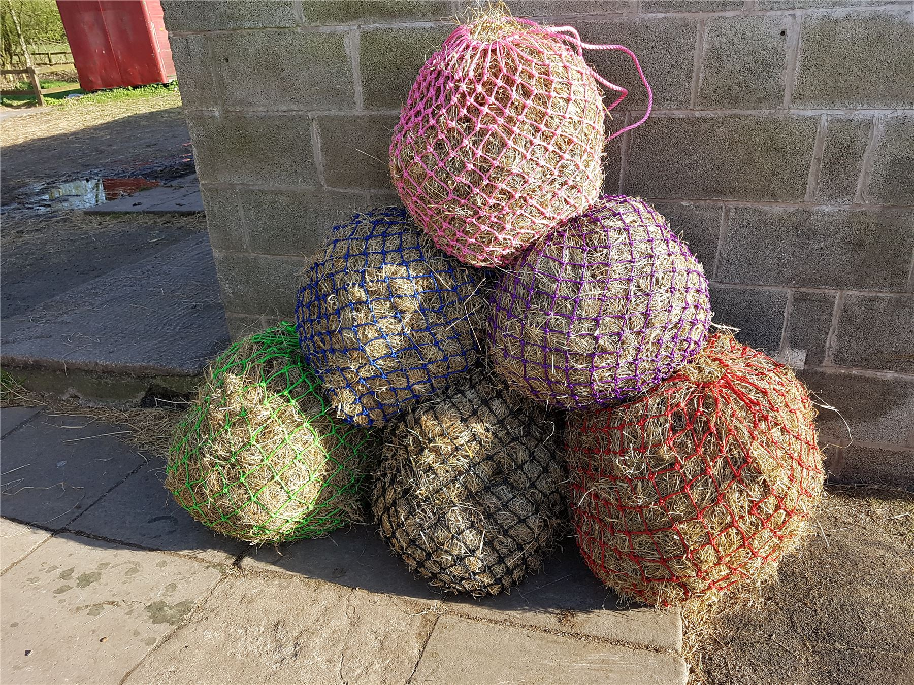 White Horse Equestrian Easy Feed Equestrian Stable Yard Field Horse Pony Hay Net Hay Nets Bags