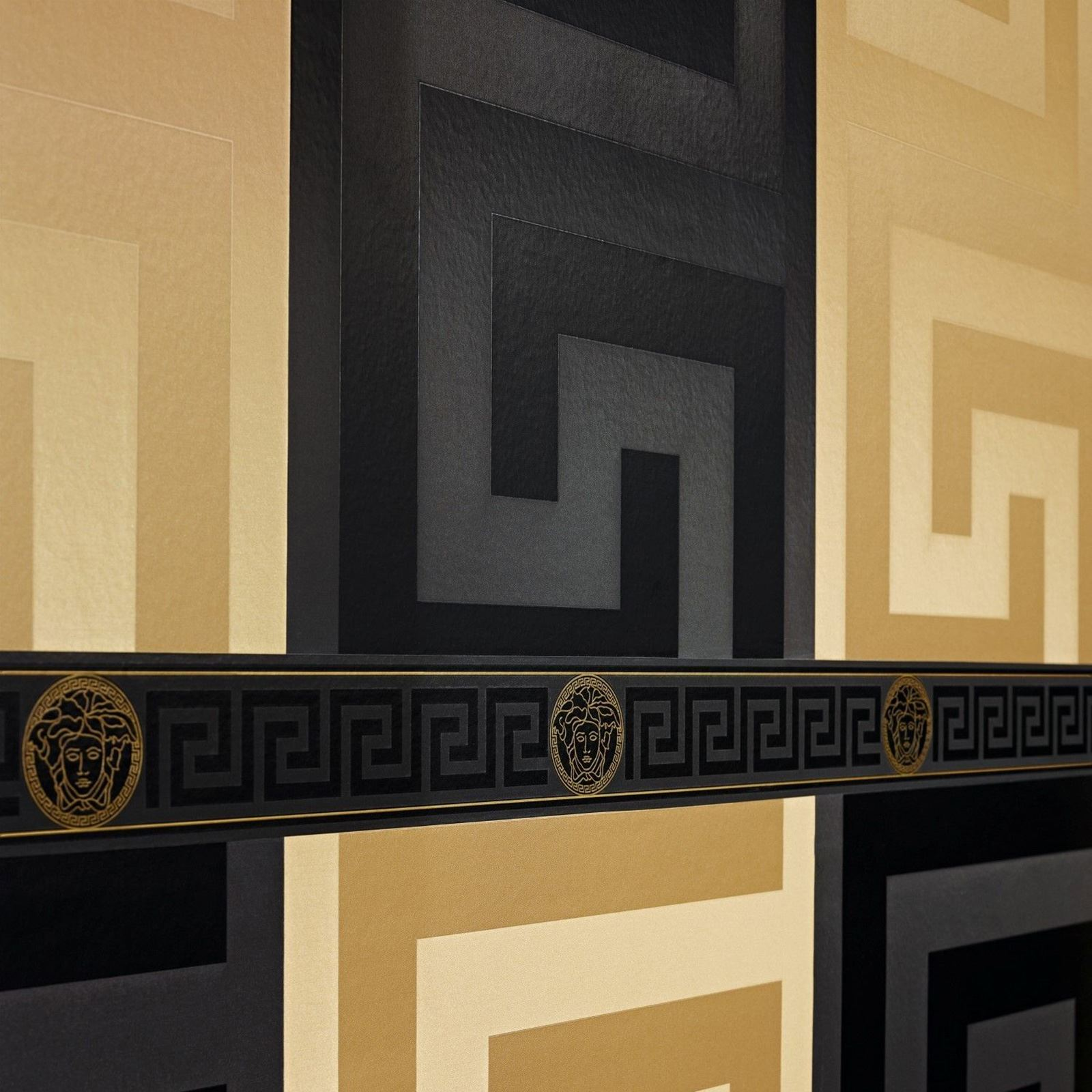 VERSACE LUXURY WALLPAPER PARVUS // GREEK KEY PALM LEAVES BAROQUE FLORAL TRAIL