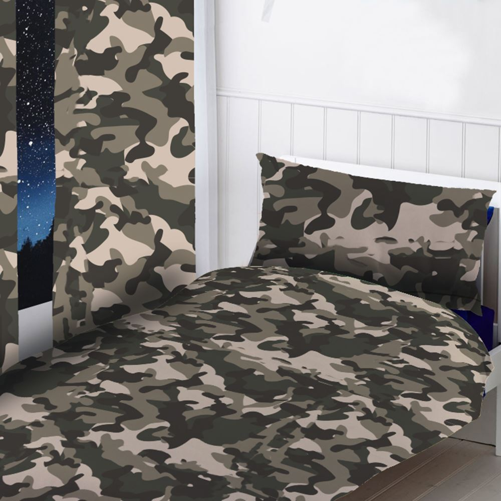 Camouflage curtains and bedding
