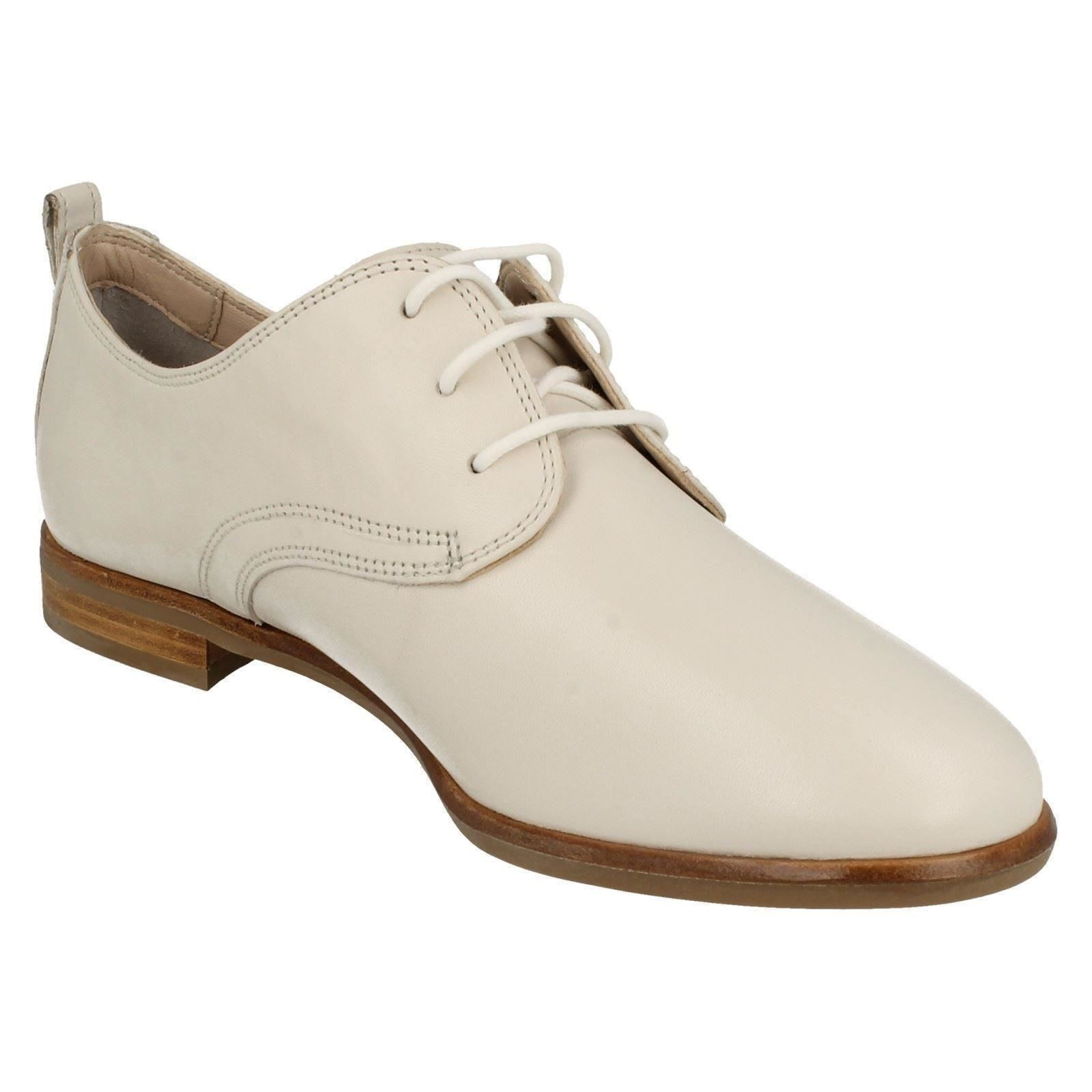 Ladies Clarks Lace Up Casual Shoes *Alania Posey*