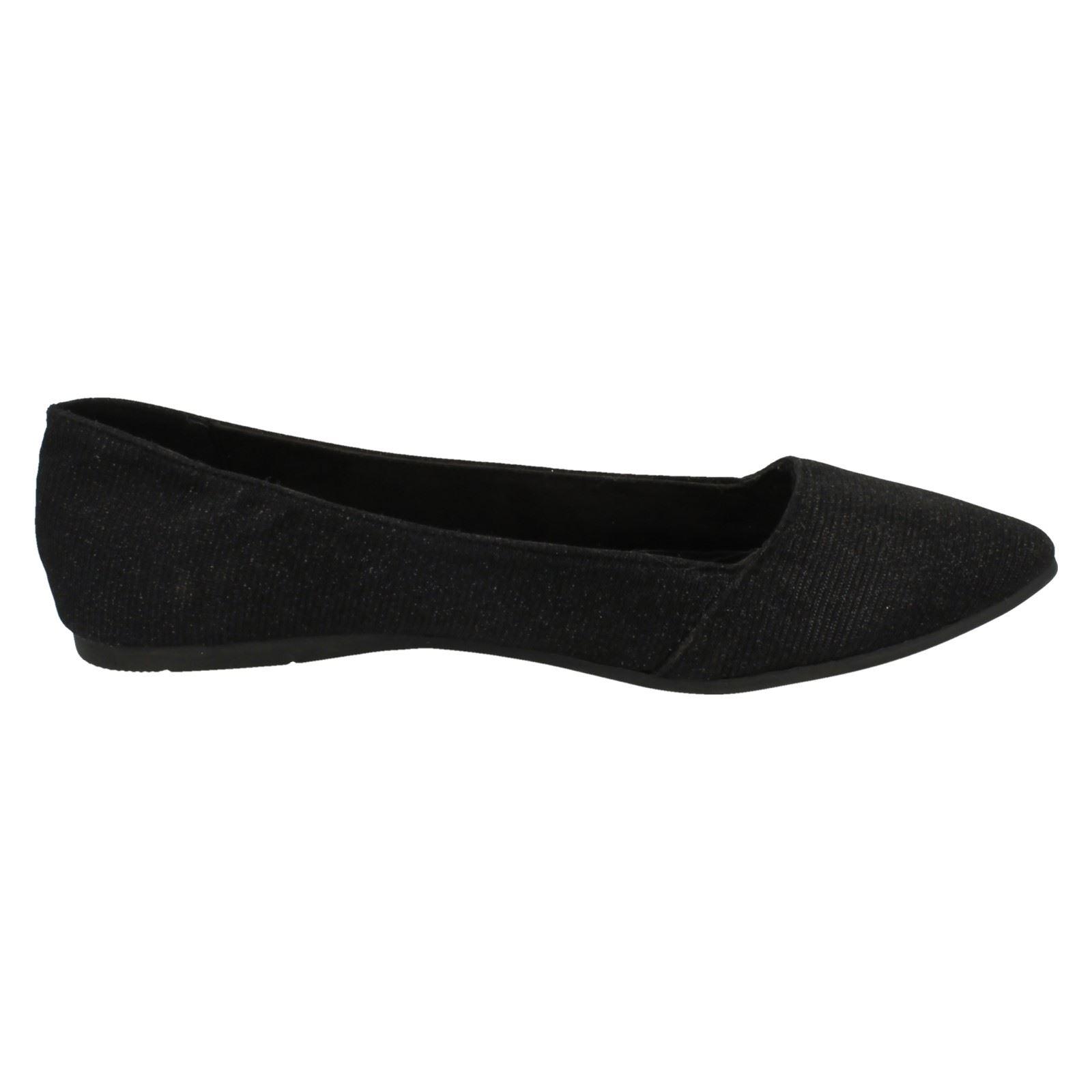 Ladies Spot On Flat Pointed Toe Slip On Ballerina