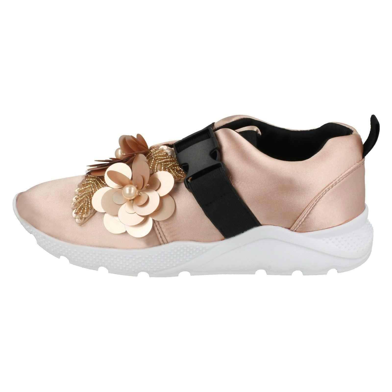 Ladies Spot On Flower Trim /'Trainers/'