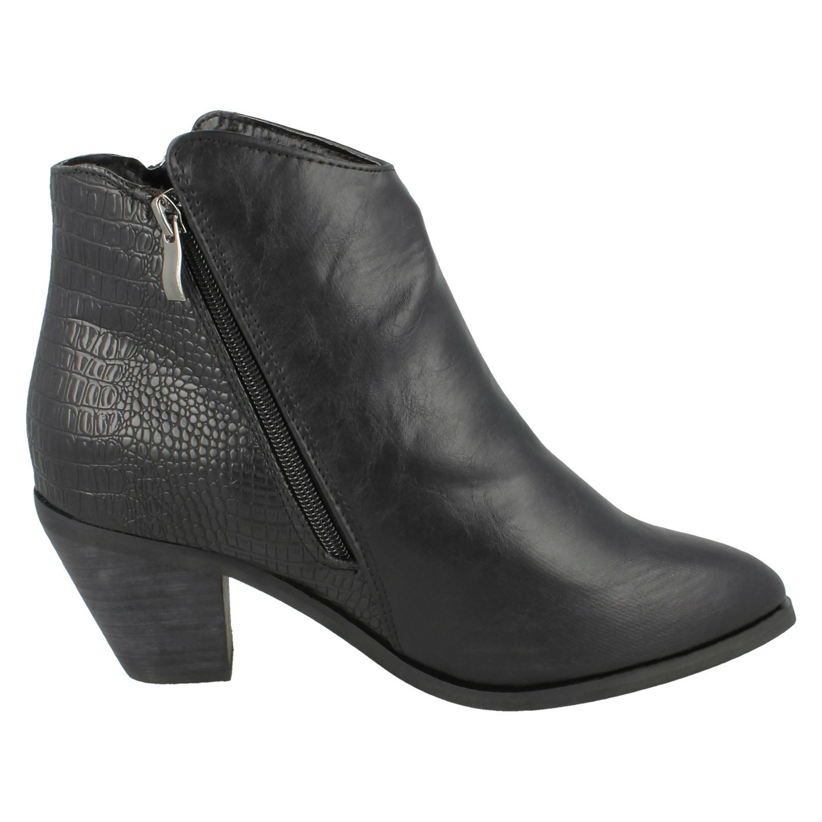 Ladies Spot On Cowboy Style Ankle Boots With /'Zip Detail/'